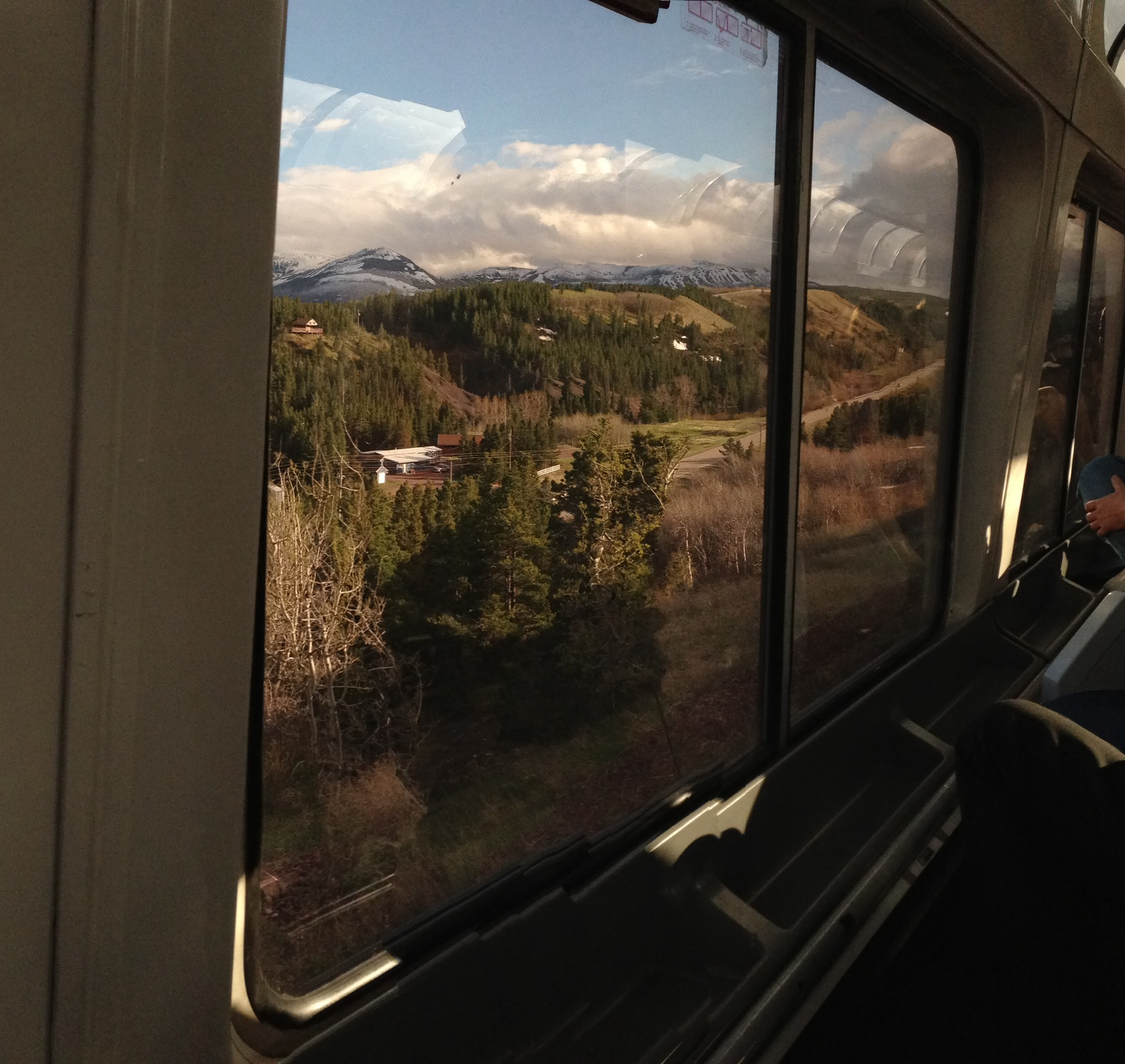 Battle of the Routes: Southwest Chief vs. Empire Builder